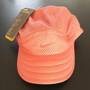 NWT Nike running hat